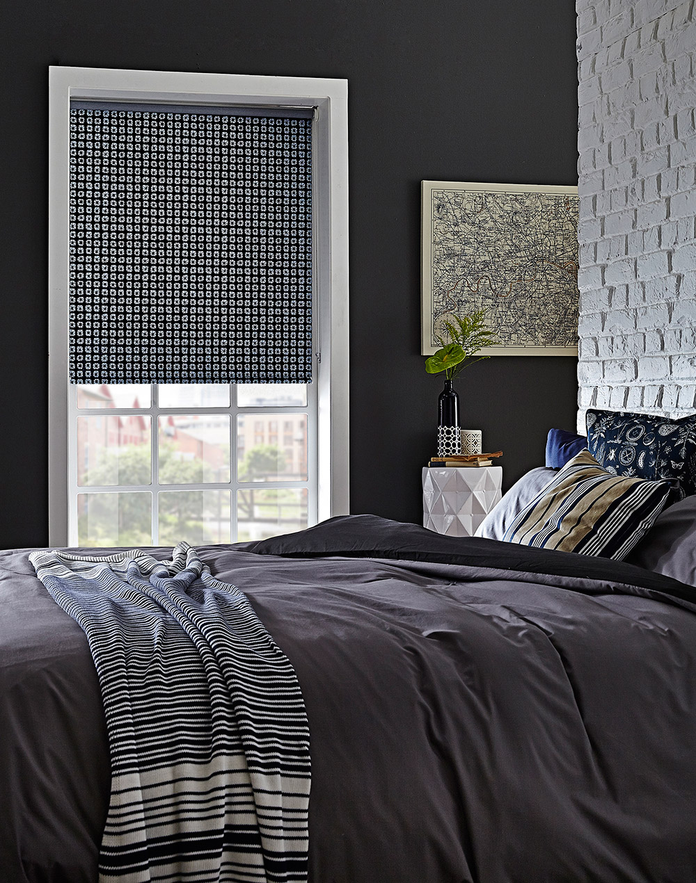 roller blinds apollo blinds venetian vertical roman roller pleated and plantation blinds. Black Bedroom Furniture Sets. Home Design Ideas