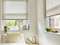 Country hair roller blind