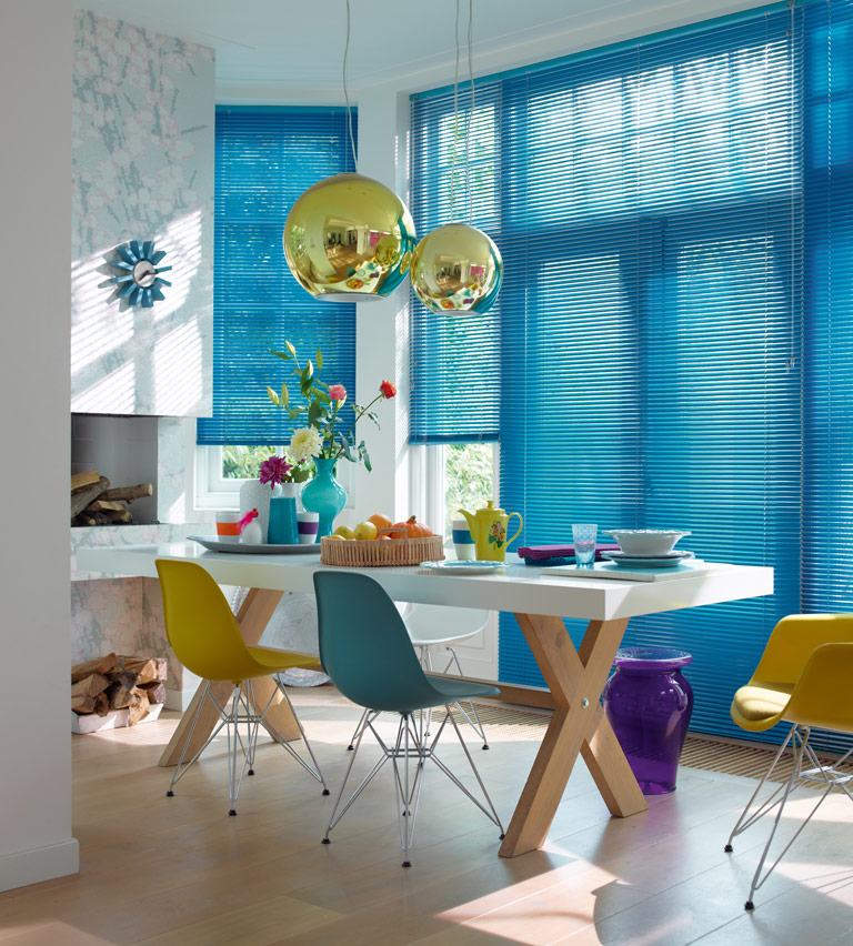 Venetian blinds blue