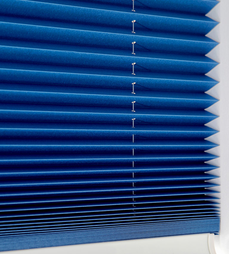Pleated - blue