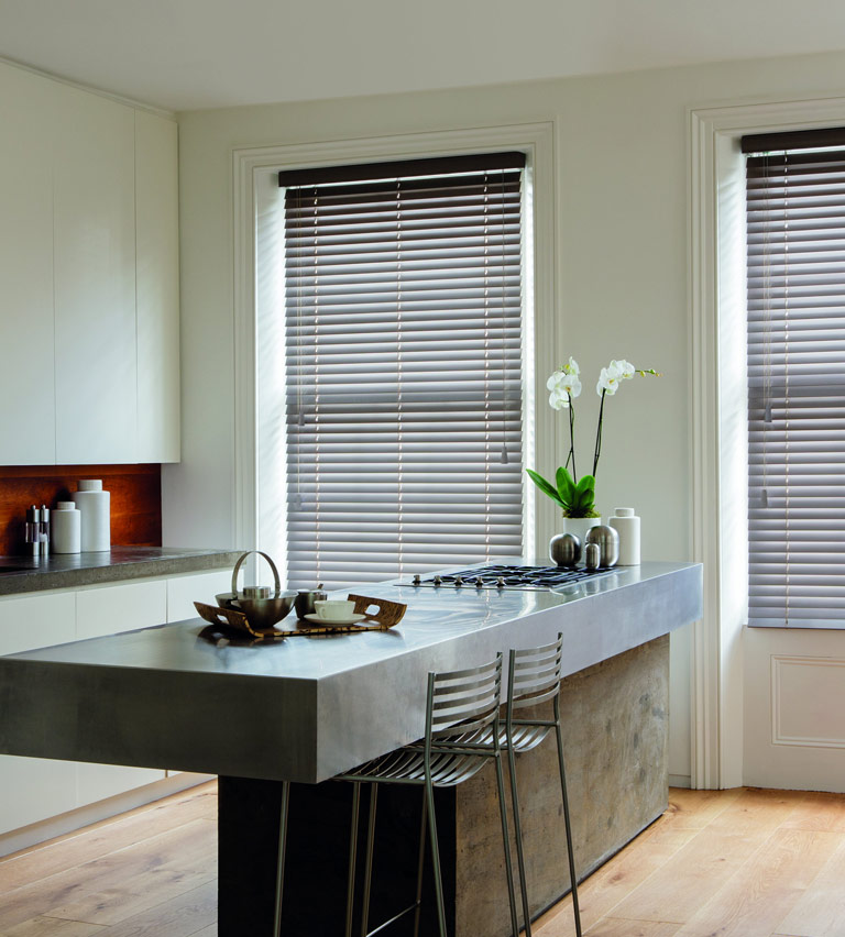 Wooden blinds truffle