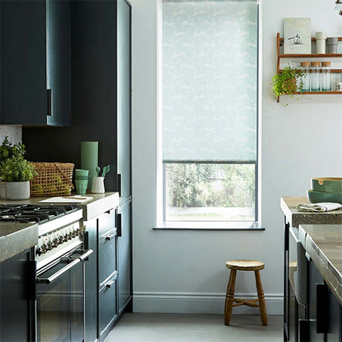 Green pattern roller blind